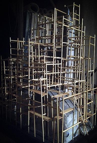 scaffoldatnight